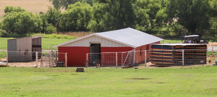 New paint gives community barn a face lift